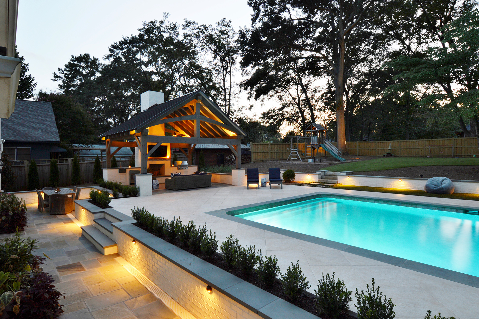 poolside-outdoor-kitchen