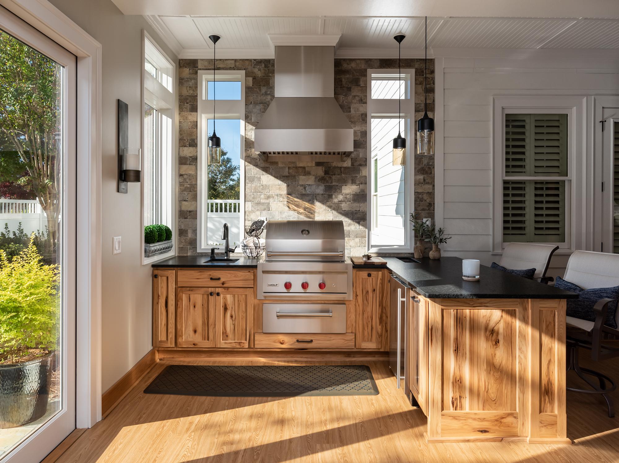 Indoor Outdoor Kitchen and Bar